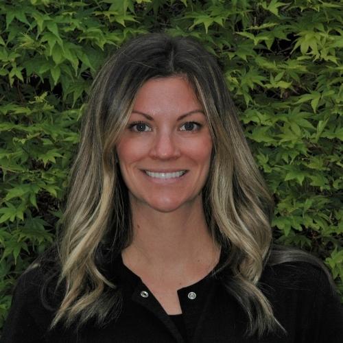 Amanda - Everett Washington Dentist Offic Staff Member